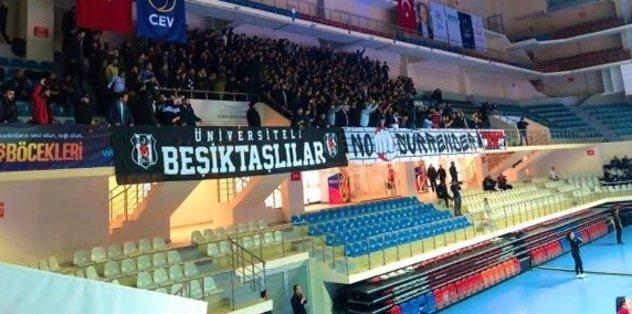 Beşiktaş - Fenerbahçe Opet maçına küfürlü tezahürat nedeniyle ara verildi