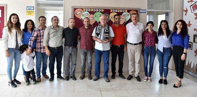 Beşiktaş taraftarlarından köy okuluna ziyaret