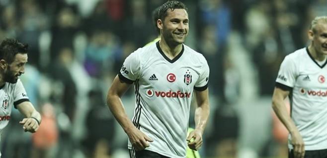 Beşiktaş'ın yıldızı Tosic'ten şok karar!