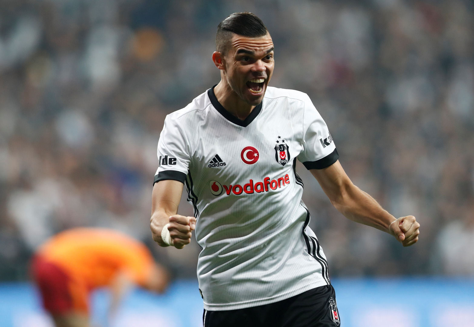 Pepe Beşiktaş taraftarına müjdeyi verdi!