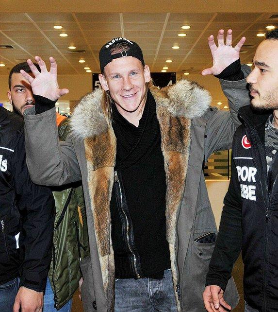 Vida dünya devini reddetti, Beşiktaş'a geldi
