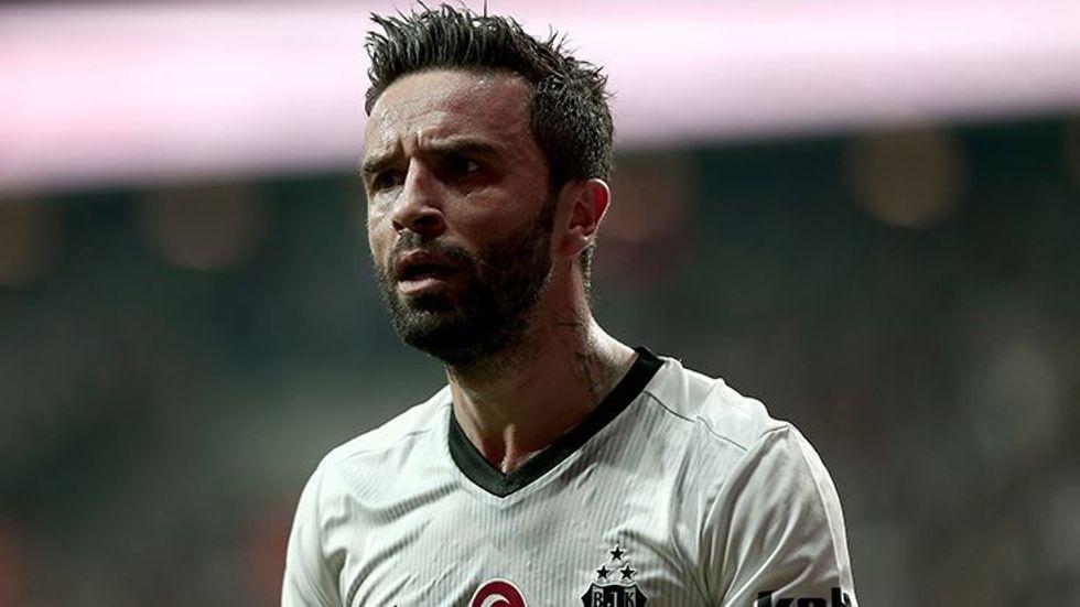 Gökhan Gönül'ün aklı Fenerbahçe'de!