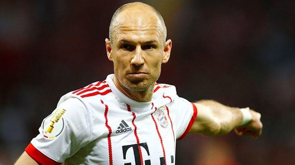 Beşiktaş'a Arjen Robben'den kötü haber!