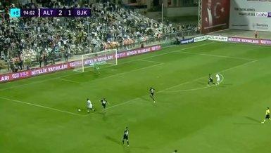 Altay Beşiktaş maçında Fırat Aydınus'un penaltı kararını VAR değiştirdi!