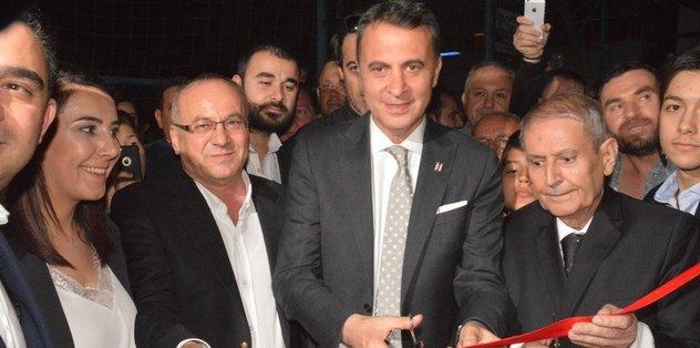 Beşiktaş Başkanı Fikret Orman, Akhisar'da dernek binası açtı