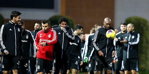 Beşiktaş'ın devre arası kampı Antalya'da başladı