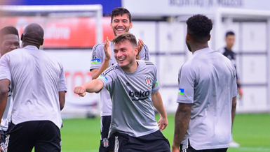 Beşiktaş Antalyaspor'u ağırlıyor