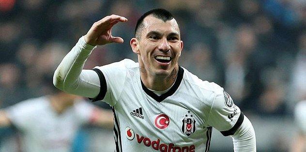 Beşiktaşlı Medel'e eş engeli