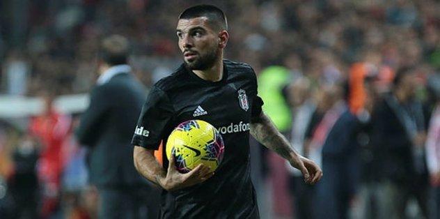 Beşiktaşlı Rebocho rest çekti: Önümü kesmeyin!