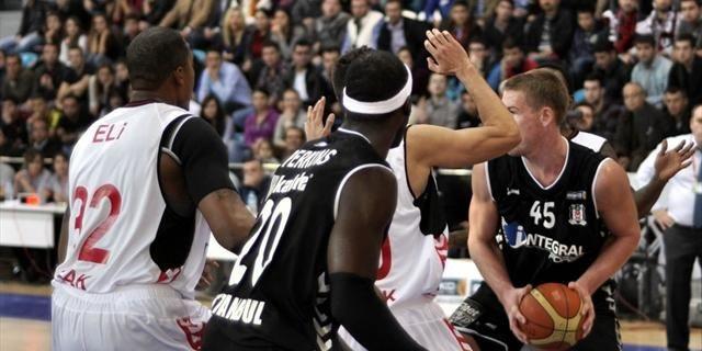 Beşiktaş, PAOK'a acımadı