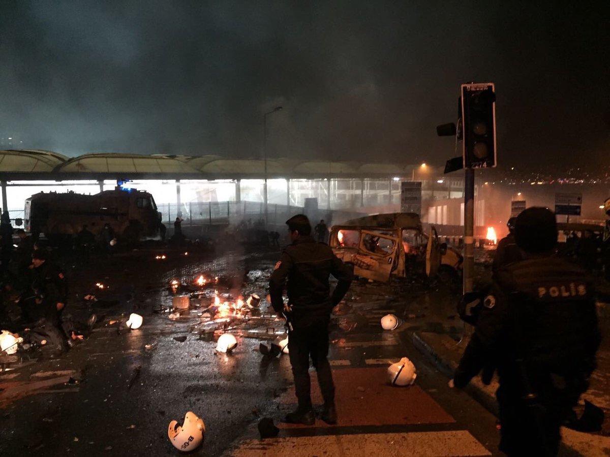 Vodafone Arena'daki patlamadan sonra şok görüntüler!