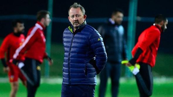 Kayserispor teknik direktörü Sergen Yalçın, Beşiktaş'ın yıldızlarını istiyor