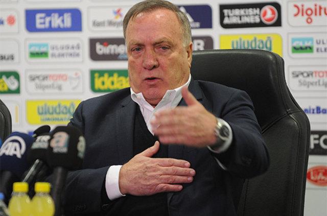 Beşiktaş Advocaat'ın ağzının payını verdi!