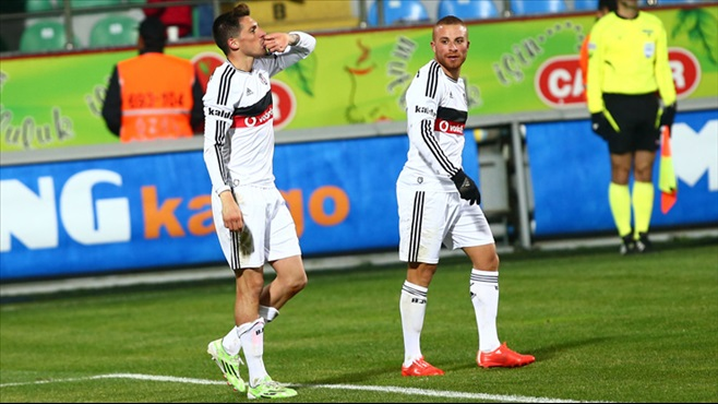 Beşiktaş'ın eski yıldızı geri dönüyor!
