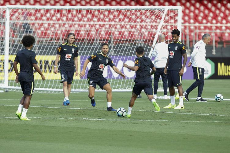Brezilyalı futbolcu Beşiktaş'a gelmeye hazır