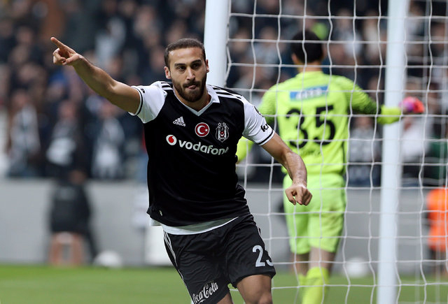 Beşiktaş'ta Cenk-Talisca-Quaresma zirvesi!